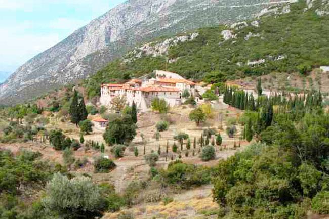 Ιερά Μονή Οσίου Σεραφείμ Δομβούς